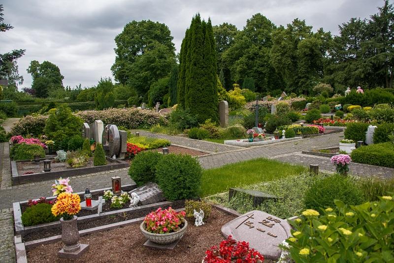 Friedhof Heiligenhaus Gräber