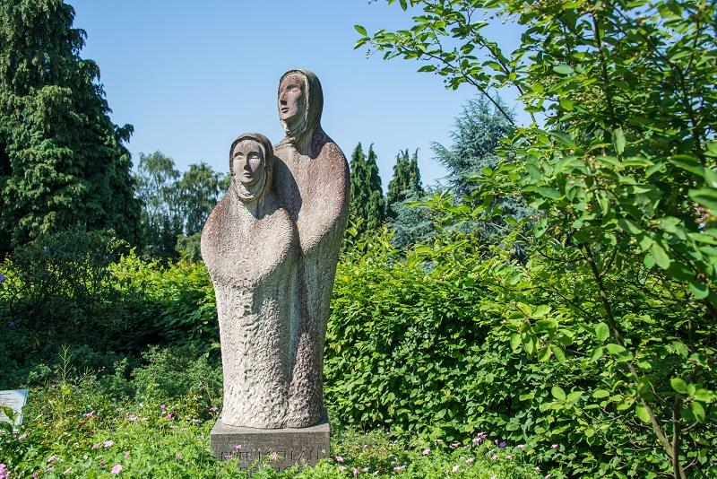 Friedhof Dönberg Statue
