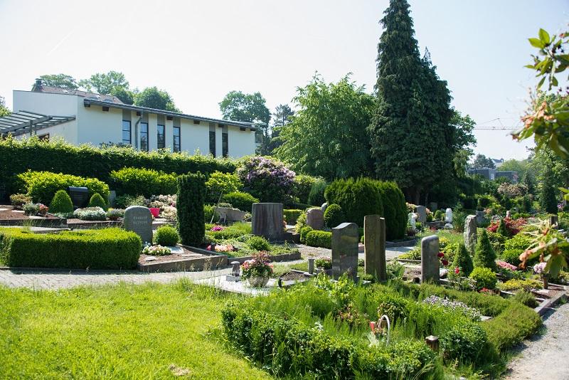 Friedhof Dönberg Gräber