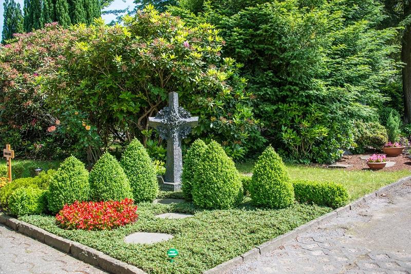Friedhof Gruiten Kreuz