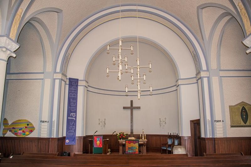 Friedhof Hochdahl Neanderkirche innen