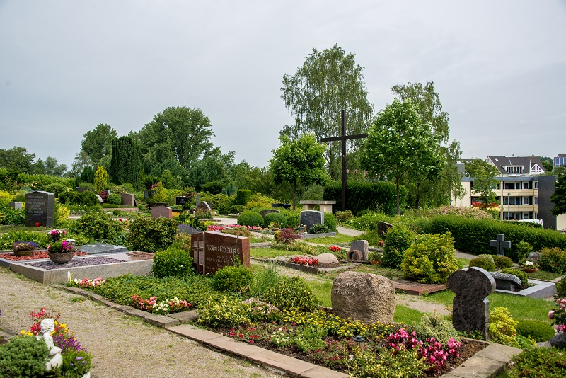 Friedhof Homberg Gräber