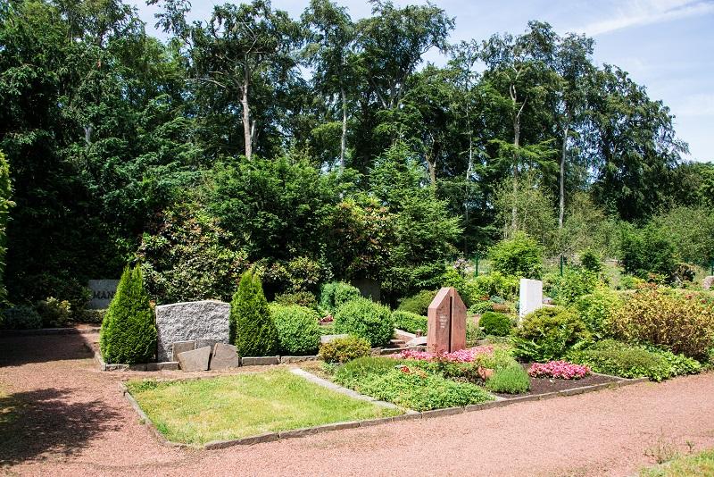 Friedhof Linnep Gräber