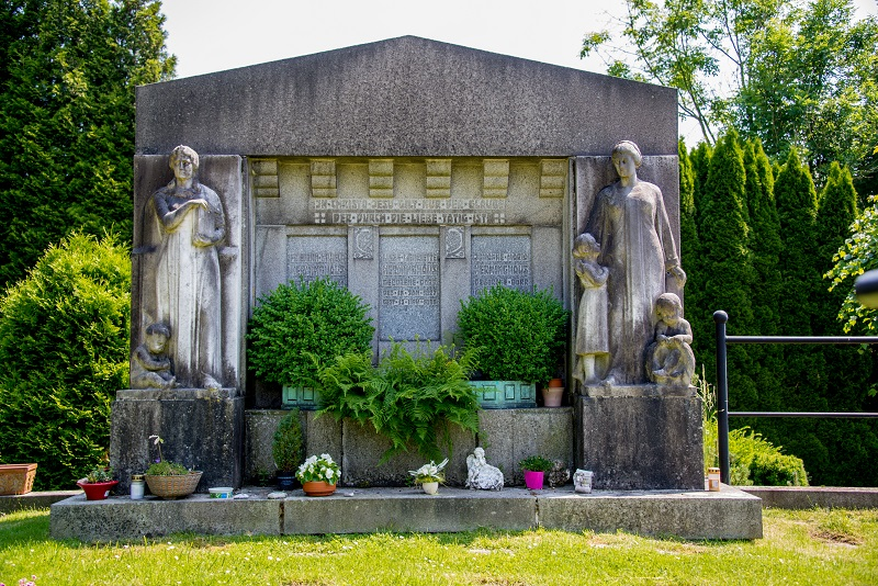 Friedhof Wülfrath Grabmal
